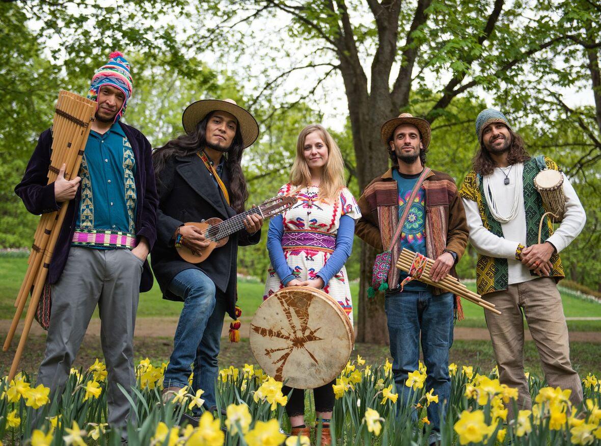 Curawaka to Perform Live at Pikes